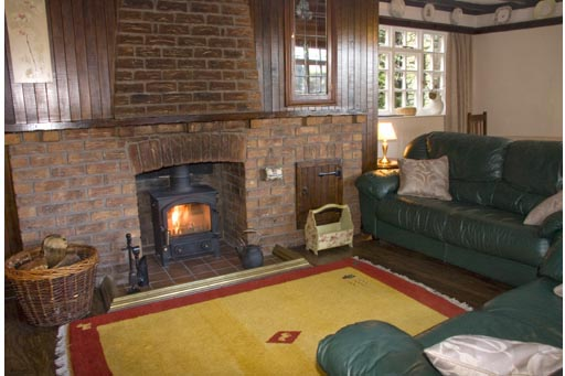 Castleton Cottage - Lounge