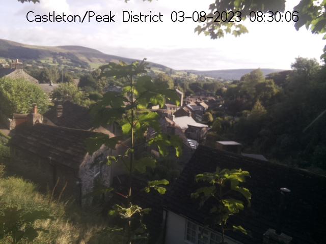Peak District Webcams - Cliff Cottage - Castleton